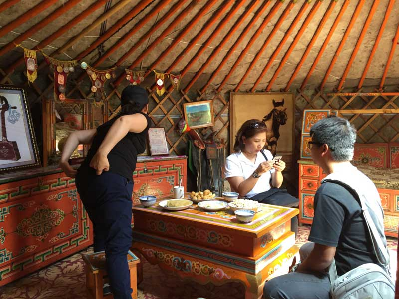 visit nomad family in Mongolia